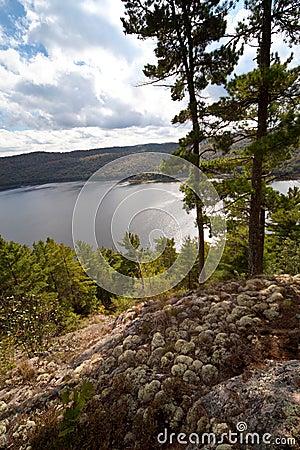 Carpenter Lake clear water vista