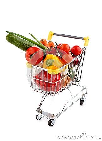 Carrello e verdure di acquisto