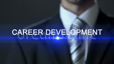Carrièreontwikkeling, zakenman in kostuum wat betreft het scherm, groeiend professionalisme stock video
