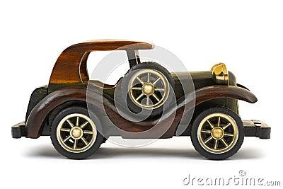 Carro de madeira do brinquedo
