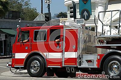 Carro del cuerpo de bomberos