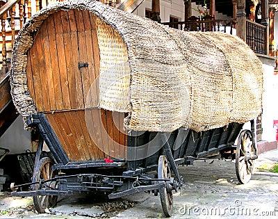 Carro velho do cigano da inclinação