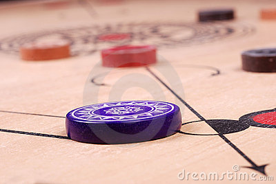 Carrom board (HIT)