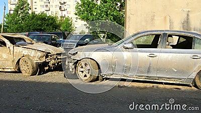 Carros danificados em consequência da inundação vídeos de arquivo