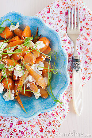 Carrot and goatcheese salad