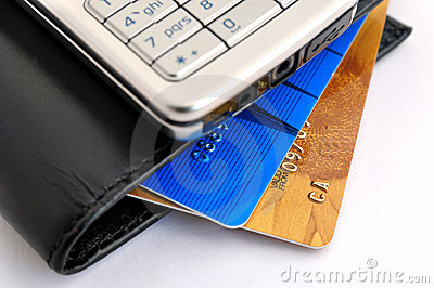 Cartes de crédit, portable et pochette