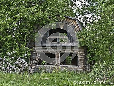Casa abandonada na vila russian