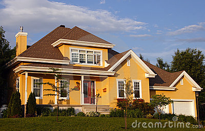 Casa amarela nova