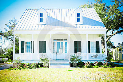 Casa americana suburbana immagini stock immagine 23195864 for Piani di casa cottage con portici