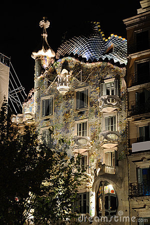 Casa Batllo illuminated at night