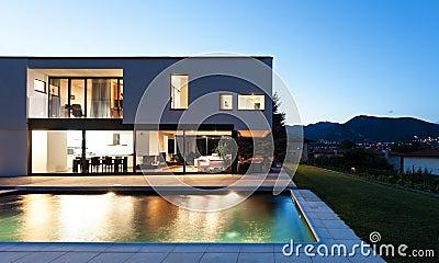 Casa de campo moderna com associação