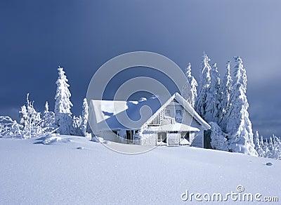 Casa de campo no inverno
