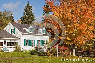Casa de campo no outono