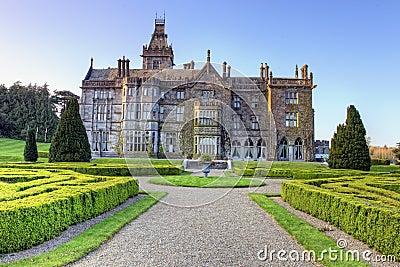 Casa de señorío de Adare en Adare, quintilla del Co., Irlanda.