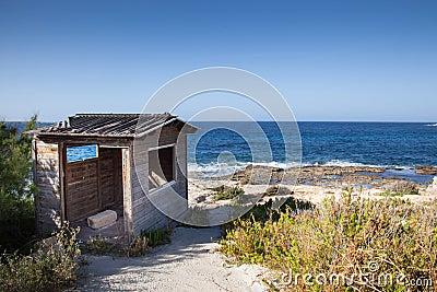 Casa di legno sulla spiaggia fotografia stock immagine for Design di architettura casa sulla spiaggia