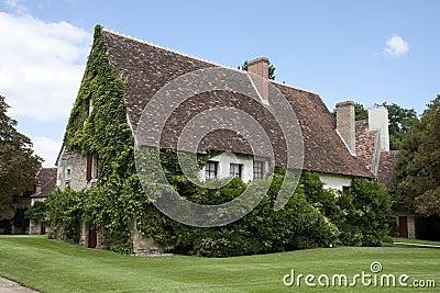 Casa francese tipica fotografia stock libera da diritti for Disegni di casa chateau francese