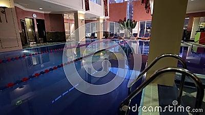 Casa moderna con la piscina architettura casa con il for Architettura casa moderna