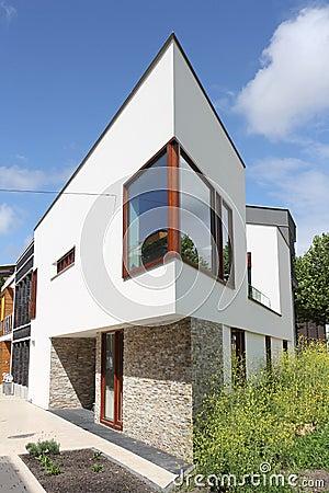 Casa olandese moderna con la facciata bianca fotografia for Architettura olandese