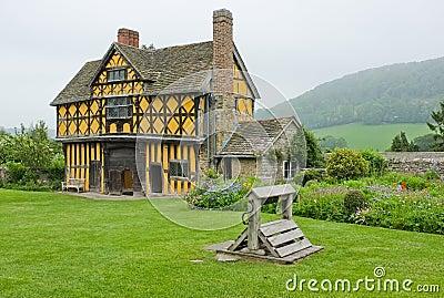Casa Shropshire da porta do solar de Tudor, Inglaterra