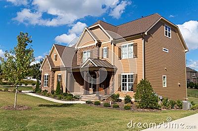Casa suburbana de gama alta