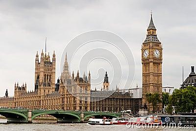 Casas del parlamento y de Ben grande
