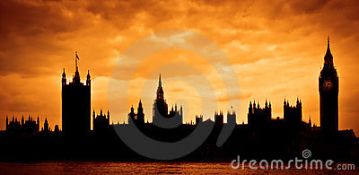 Casas do parlamento no por do sol