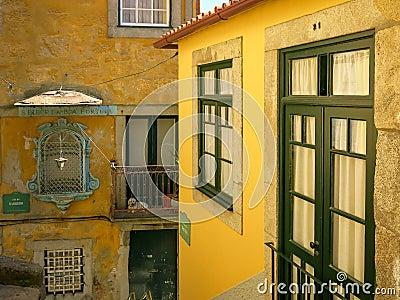 Casas no distrito de Ribeira, Porto Imagem Editorial