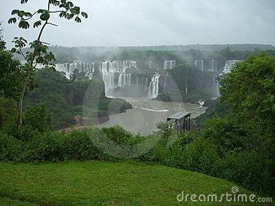 Cascada de Iguazu en la Argentina
