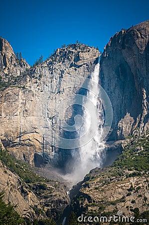 Cascada de Yosemite, California, los E.E.U.U.
