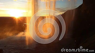 Cascada Skogafoss en Islandia almacen de video