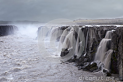 Cascade à écriture ligne par ligne, Islande