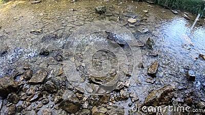 Cascade van zoet bronwater bij de Ermita de Santa Elena stock videobeelden