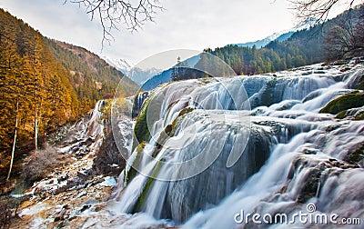 Cascata del banco della perla in valle 2 di Jiuzhai