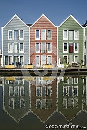 Case di legno colorate