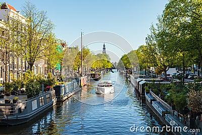 Case galleggianti sul canale olandese di prinsengracht a for Case galleggianti amsterdam