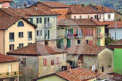 Case italiane diano d 39 alba italia immagine stock for Case tradizionali italiane