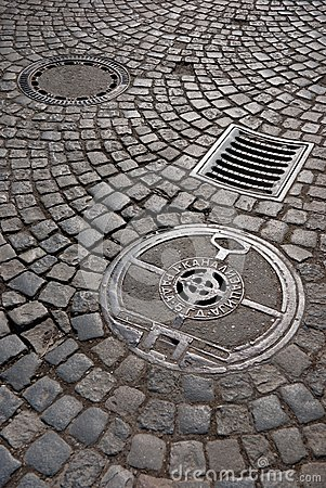 Free Cast Iron Drain Cover Royalty Free Stock Photography - 32476927