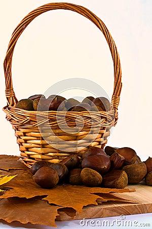 Castañas en cesta