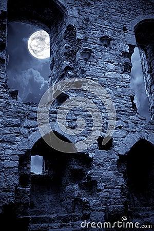 castello-spettrale-15591822.jpg