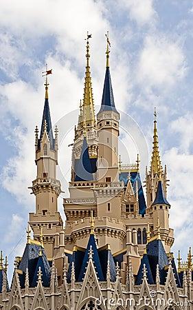 Castelo do mundo de Disney Foto Editorial