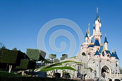 Castillo de Disneylandya París Imagen editorial