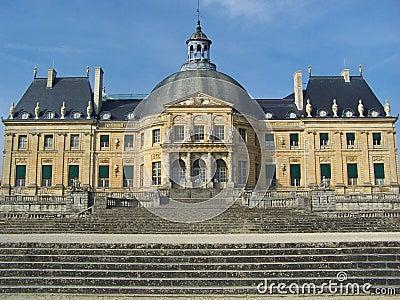 Castillo del palacio de Luxemburgo en la ciudad de París