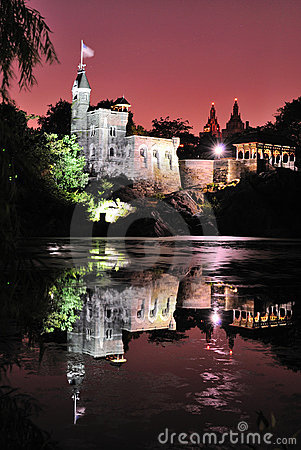 Free Castle At Night Stock Photography - 15197682