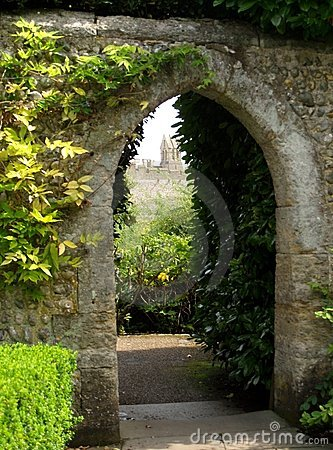 Free Castle Garden Stock Images - 6126014