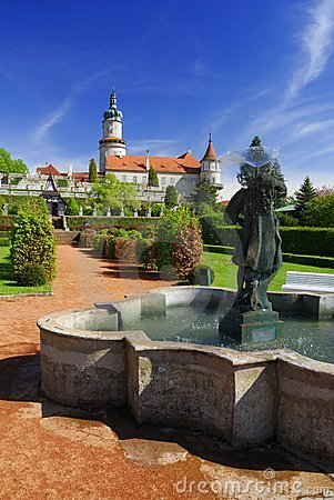 Free Castle Nove Mesto Nad Metuji Royalty Free Stock Photography - 24262577