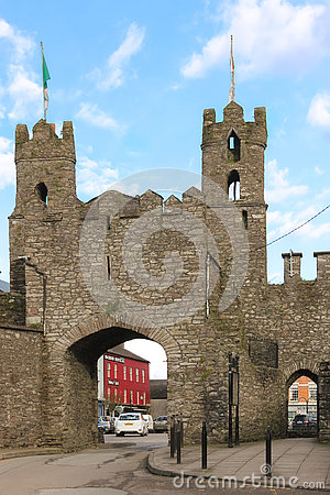 Free Castle Ruins. Entrance Arch. Macroom. Ireland Stock Photos - 80951003
