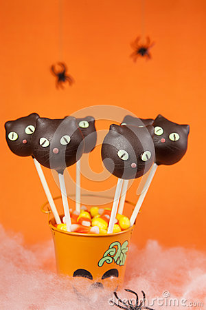 Cat cake pops