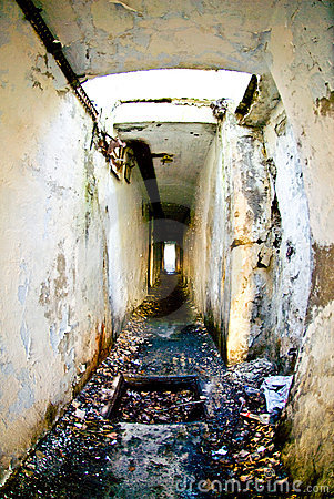 Catacombes militaires désuètes
