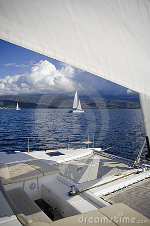 Catamarans bow