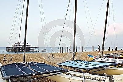 Catamarans sur la plage